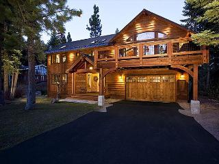 Archway - High End Luxury 4BR w/ Stunning Furnishings & Hot Tub! Fr $650/nt!!, Carnelian Bay