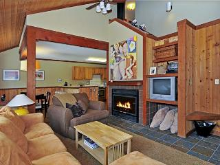 Aspens 3 BR Squaw Townhome with HOA Hot Tub, Olympic Valley