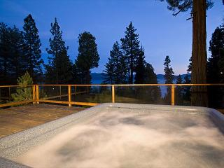 Rim Drive - 3 BR w/ Beautiful Lake Views & Hot Tub - Sleeps 9, Tahoe Vista