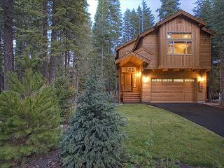 BLISS -Beautiful West Shore 3 BR Sleeps 9, Hot Tub - Off season rates!, Tahoma