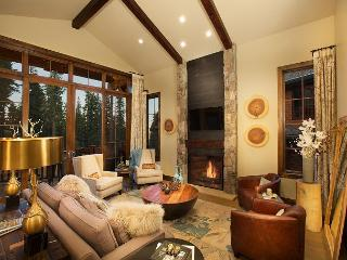 Mountainside - Deluxe Northstar Home with Modern Design and 5-STAR Amenities, Truckee