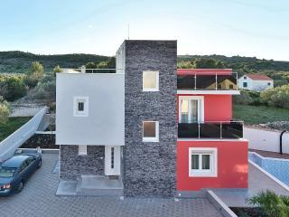 Luxury villa Amor, Kirin