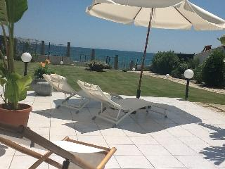 villa on the beach, Pula