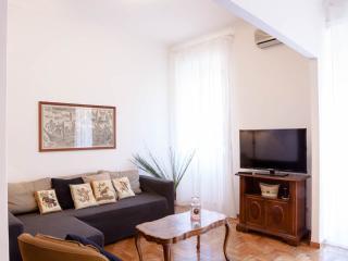 Sofa bed TV and wifi -canapé-lit pour deux personnes TV led 40 '' wifi fibre optique 100 mb -?????