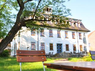Ferienwohnungen Stiftsgut Wilhelmsglücksbrunn, Creuzburg