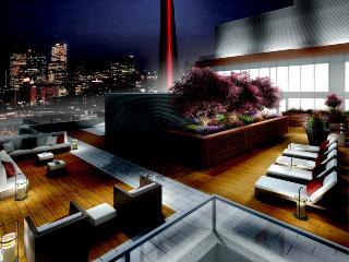 Reve - Elegant Penthouse Suite, Toronto