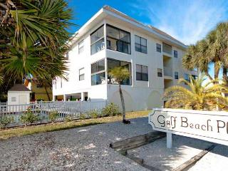 Beach Potato: 2BR Condo with Pool & Amazing View, Holmes Beach