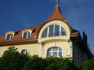 Vacation Apartment in Buochs - 969 sqft, quiet, central, bright, directly at the lake (# 5573)