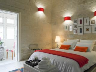 Magic Malta come stay at Julesy's BnB, Cospicua (Bormla)
