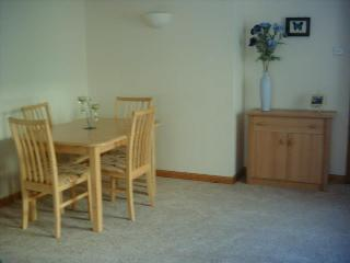 dining area in the lounge