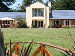 the meadows Villa christchurch, Christchurch