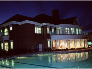 Williamsburg Plantation: 4-Bedrooms, 4 Baths, Sleep 12, 2 Full Kitchens