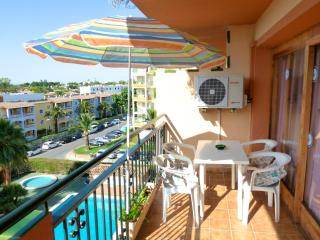 Ideal for a couple or small family - pool and view, Port d'Alcudia