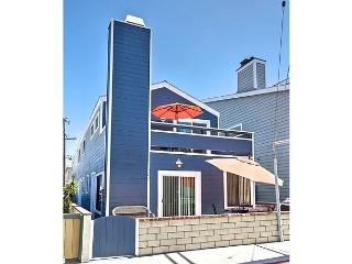 Upper Duplex Only 7 Houses From Ocean!! (68238)