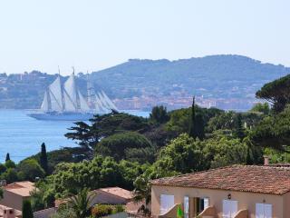Maison de charme avec une vue imprenable sur mer et piscine, Sainte-Maxime