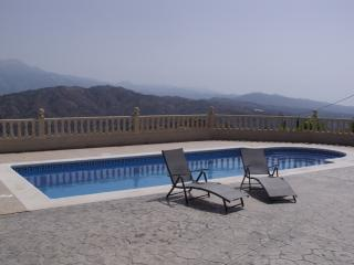 Stunning Views From Mountains - Mediterranean From This Lovely Villa