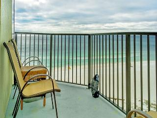 7TH FLOOR BEACHFRONT FOR 4!  WITH WIFI! 10% OFF MARCH STAYS! CALL NOW!, Panama City Beach