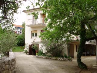 Apartment Dora with 3 bedrooms