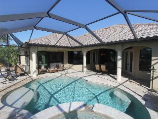 "Vacation rental ""Villa Paradise"" with boat dock, Cape Coral"