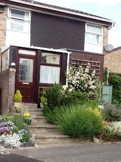 BOURNECOAST: Delightful house, ideal for families, with patio garden - HB5814