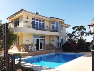 KAPLUMBA VILLA. Private villa with own pool near the resort of Side in Turkey.