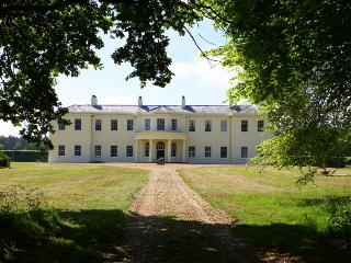Mansion and estate in Norfolk with golf nearby, Little Cressingham