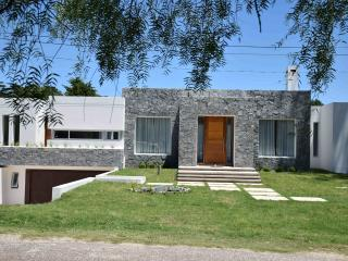 Brand new moder home in the heart of Punta !!