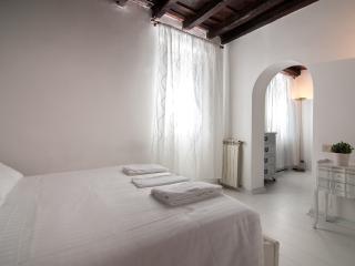 Appartamento Coronari bianco, Roma