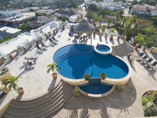 CABO VIEJO LUXURY 2 BR SUITES IN PEDREGAL HILLS