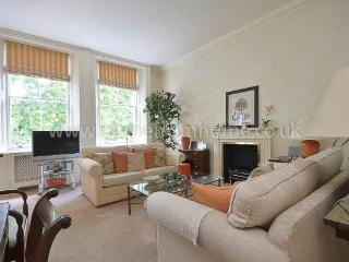 Elegant period apartment with roof terrace- Knightsbridge, Londres