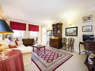 Cute and classic 1 bedroom apartment close to Portobello market – Notting Hill, Londen