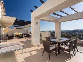 Penthouse on Los Flamingos Golf Course, Puerto Banus