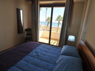 LARNACA BEACH APARTMENTS 202, Larnaka City