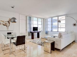 Seacoast Grand Suite 3BR/2BA -Stunning Bay Views, Miami