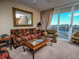 Giant luxury 4BR @ North Tower 901 huge pool/WiFi!