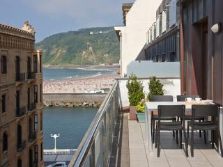Boulevard Terrace Apartment in the Old Town, Donostia-San Sebastián