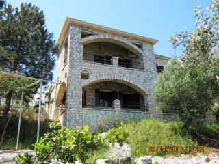 Olive Grove stonemade Residency w/ panoramic view., Petalidi
