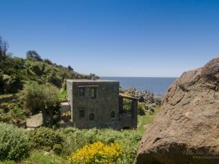 Unique Retreat with private access to the sea