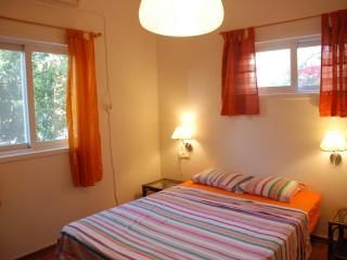 Two rooms with lovely garden in Herzliya west for vacation or travel