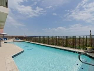 On the beach -2 KING SUITES, UPDATED! heated POOL!