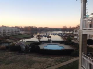 Luxury Lake Front Condo-, Davidson
