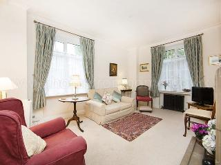 Delightful and cosy 1 bedroom flat, set just off the river embankment- Chelsea, London