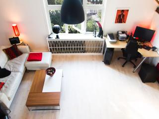 UPSCALE 2 BR IN OSLO'S FINEST LOCATION., Oslo