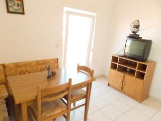 Affordable & cozy apartment ADAM 3.2 for 3 persons in Novalja