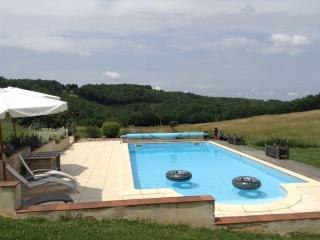 Lovely holiday cottage in SW France for 2 - 4 p., Anglars-Nozac