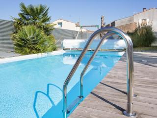 Logis de Carantonus avec piscine chauffée, Saint Jean de Liversay