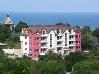 Riviera Apartments  2 A, Golden Sands