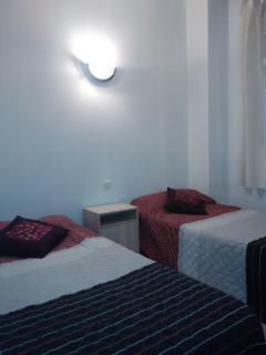 Segunda habitación, fotografía de las dos camas de 90