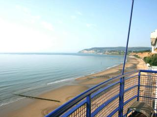'The View' - Stunning Sea Side Apartment, Sandown