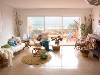 Bella casa 1ª línea playa a 30' de Valencia. WIFI, El Perello